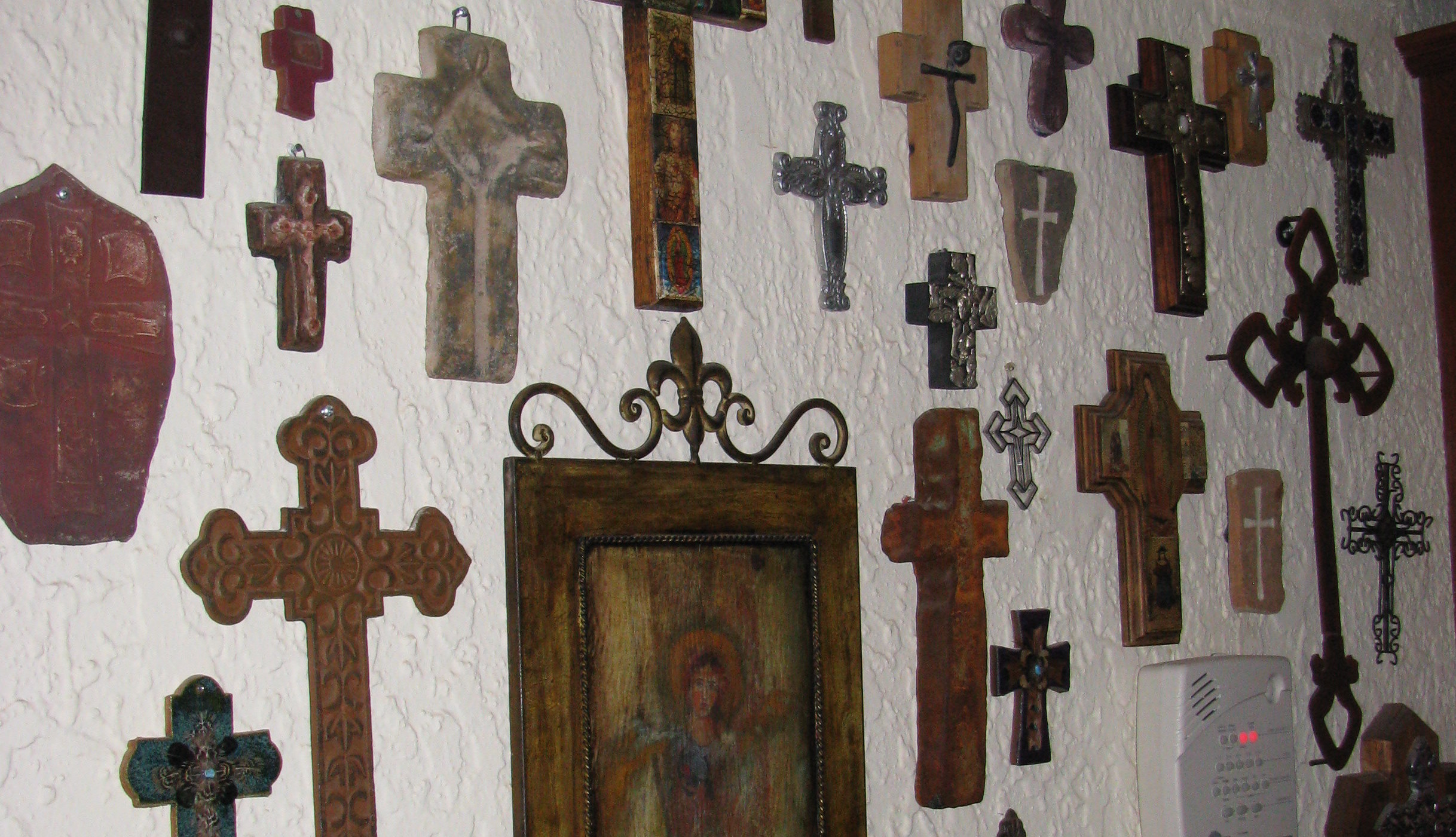 Wall of crosses diy home decor pinterest Home decor wall crosses